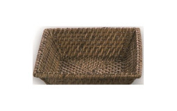 Rectangular basket in varnished wicker 30x22